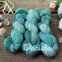 """Mighty mint"" - merino a Donegal neps"