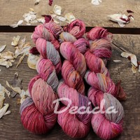 """Luxury pink"" - merino a Donegal neps"