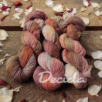 """Neutral natural"" - merino a Donegal neps"